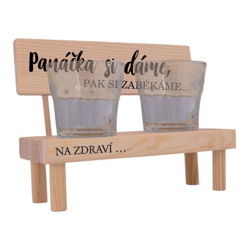 Dřevěný stojánek a skleničky - Panáčka si dáme