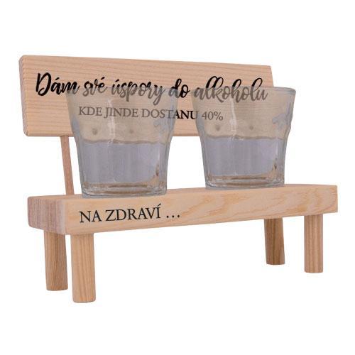 Dřevěný stojánek a skleničky - Dám své úspory do alkoholu