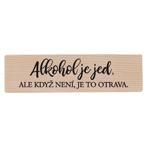 Dřevěný stojánek a skleničky - alkohol je jed