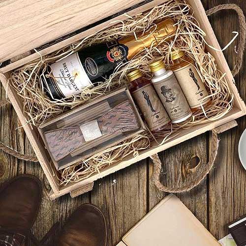 Dárkový dřevěný box - pro gentlemana cestovatele
