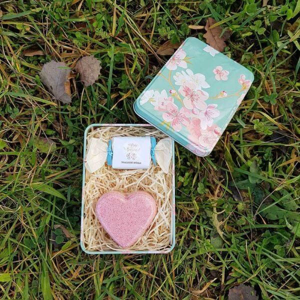 Dárkový květinový box - nejlepší babičce