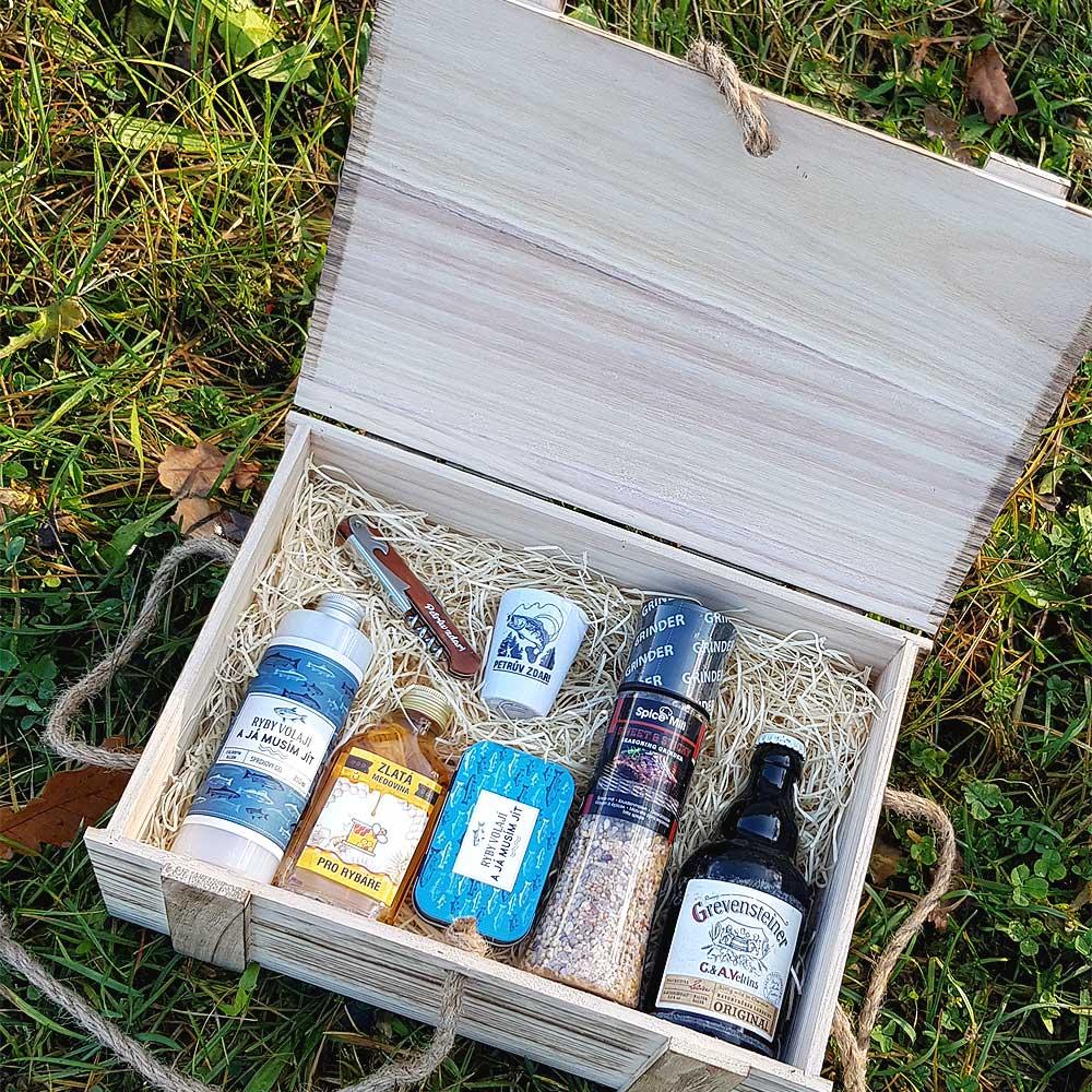 Dárkový dřevěný box pro rybáře