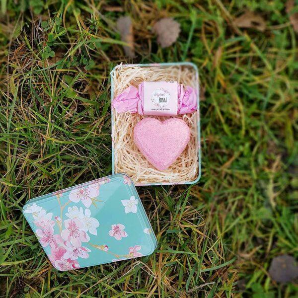Dárkový plechový box - báječná ženská
