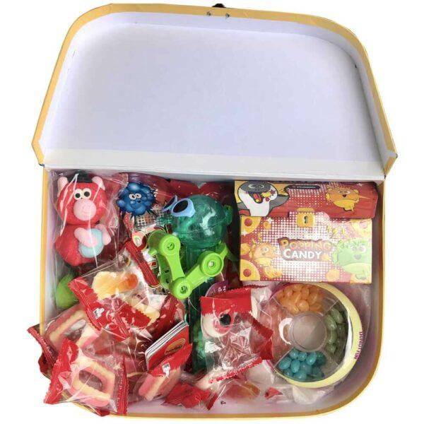 Dárkový kufřík pro děti plný cukrovinek